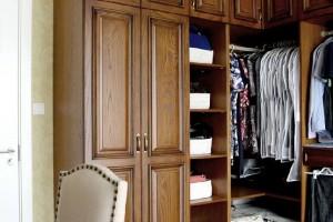 私人订制衣柜和手工衣柜哪种更好
